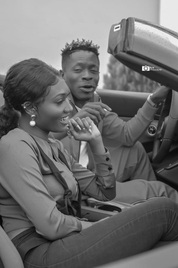 In some new exclusive photos sent to GhKasa.com, Shatta Wale was seen with female songstress Wendy Shay who he claims is his new 'wife'. Both musicians looked tremendously excited