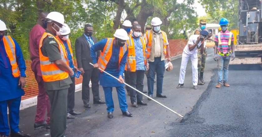 Vice President Bawumia cuts sod for Ghana Armed Forces Inner Roads construction