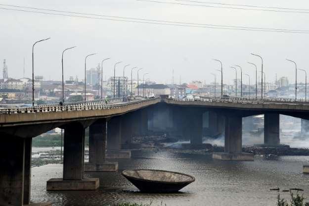 Bridge repair paralyses Lagos traffic