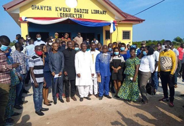 Alex Afenyo-Markin builds Library for Effutu Essuekyir