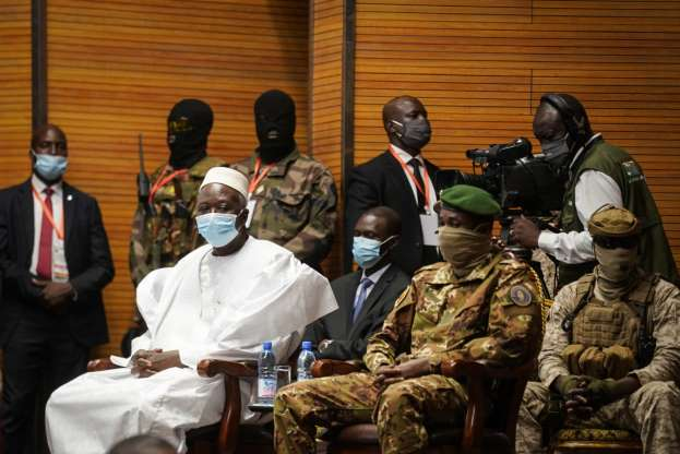 Mali swears in transitional president and vice president