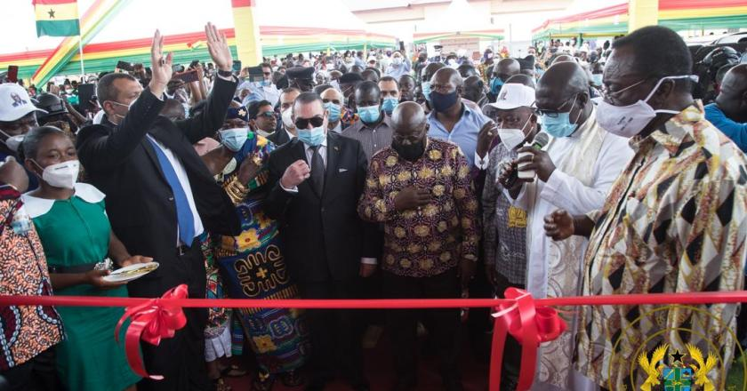 Akufo-Addo steps up  campaign in Ashanti Region….commissions new Tepa Hospital