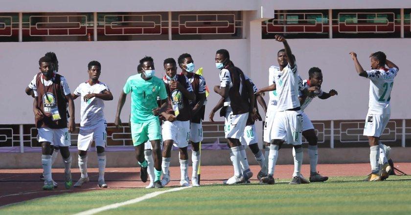 Black Satellites: Abdul Karim Zito invites 35 players to camp