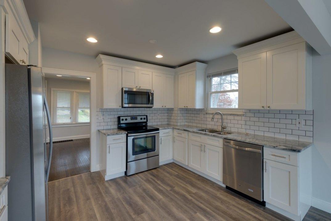 Terrific Shaker White Kitchen Cabinets Columbus Ohio Home Home Interior And Landscaping Transignezvosmurscom