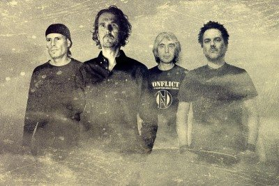 Tau Cross 2015 band