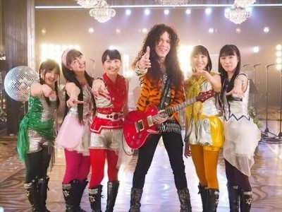 marty friedman with momiro clover z