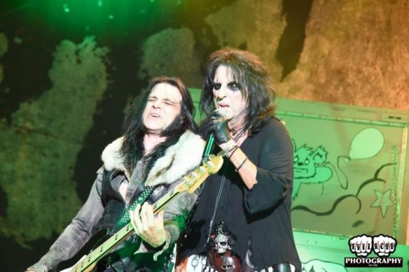 Chuck Garric and Alice Cooper, by Evil Robb Photography