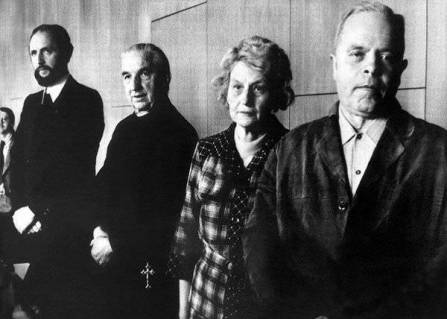 Keystone Archive. At trial. From left to right: Ernst Alt, Arnold Renz, Anneliese's mother Anna, Anneliese's father Josef.