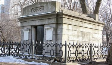 Couch Tomb at Lincoln Park https://seeksghosts.blogspot.com/2019/05/the-ghosts-at-lincoln-park-zoo.html