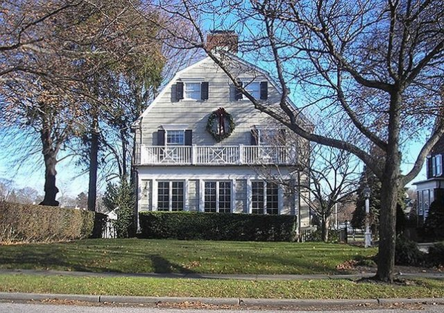 Amityville House 112 Ocean Avenue in December 2005