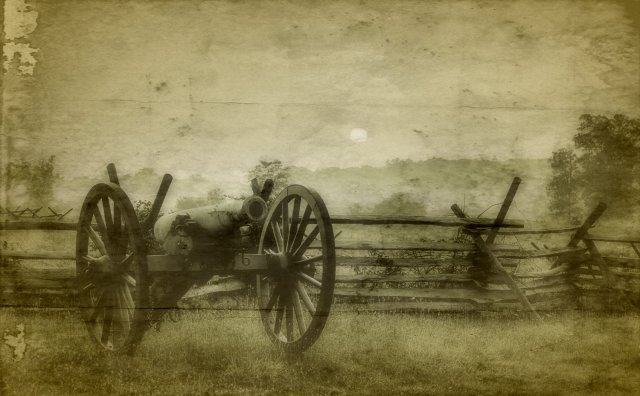 Photo of cannon at Gettysburg https://www.americanhauntingsink.com/gettysburg