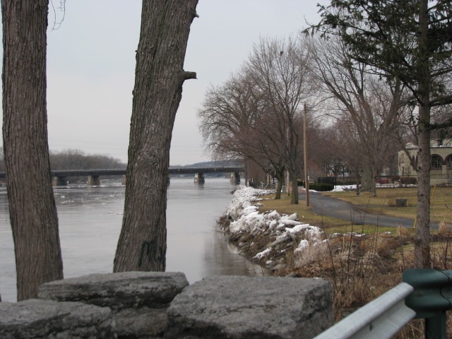 looking east from Wash. Ave. (March 10, 2009)