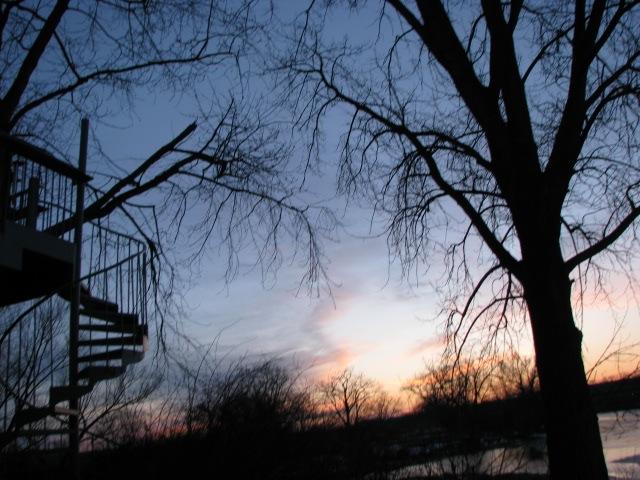 Sunset behind 1 Cucumber Alley - 28Feb09