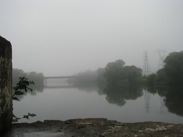 foggy morning Stockade scene at the Washington Ave. dead end - 10Aug09