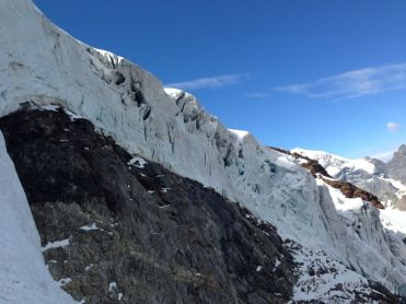 Piz cambrena via del seracco scivolo nord piz arlas piz palu mountainspace skialper bernina diavolezza alpinismo engadina palù naso ghiaccio giacomo longhi michele gusmini (7)