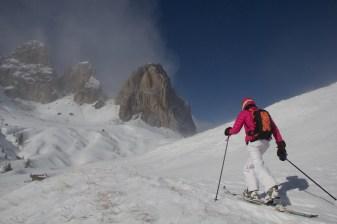 mountainspace scialpinsmo torri sella canazei trentino giacomo longhi jack elisa broggi dynastar marvi sport cantu camp pelli di foca marmolada sellaronda fuoripista (23)