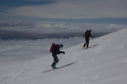 scialpinismo etna sicilia michele gusmini longhi giacomo lorenzo tagliabue marco ballerini mountainspace climb camp dynastar marvi sport rifugio sapienza funivie lava gopro racer (55)