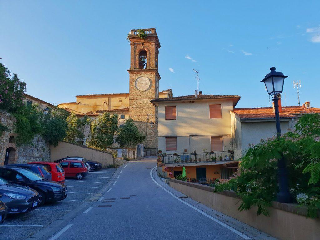 chiesa del borgo di lorenzana