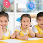 Các mốc phát triển của bé 3 – 4 tuổi: Mẹ cần nắm rõ để hỗ trợ con phát triển toàn diện