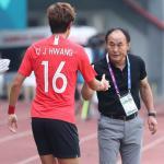 Park Hang-seo vs Kim Hak-bum: Cuộc đối đầu chia đôi dư luận Hàn Quốc
