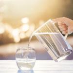 Năm thời điểm nên uống nước để phòng tránh cục máu đông