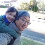 Tâm sự của ông bố muốn con gái trèo cây, chơi đá bóng khiến các mẹ dậy sóng