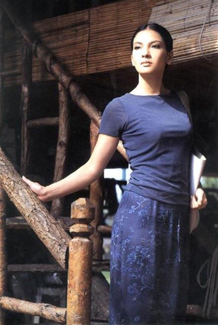 Trần Thủy Hương - 'Đệ nhất giai nhân Việt' một thời từng có quá khứ đa đoan hiện ra sao?