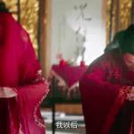 """Biết fan mong ngóng, """"Tân Ỷ thiên"""" tung ngay cảnh Triệu Mẫn phá đám cưới, cướp Trương Vô Kỵ khỏi tay Chu Chỉ Nhược"""
