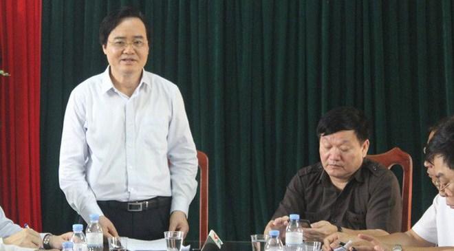 """Bộ trưởng Phùng Xuân Nhạ nói về việc xử lý vụ nữ sinh bị lột đồ: """"Đau nhưng phải cắt"""""""