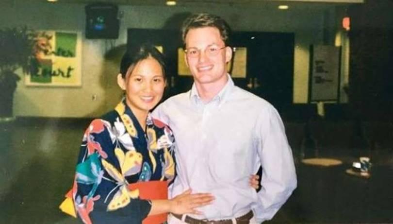 """Hóa ra chính Hồng Nhung mới là người tới sau, chồng cũ của cô và vợ mới đã từng là """"mối tình đầu"""" của nhau"""