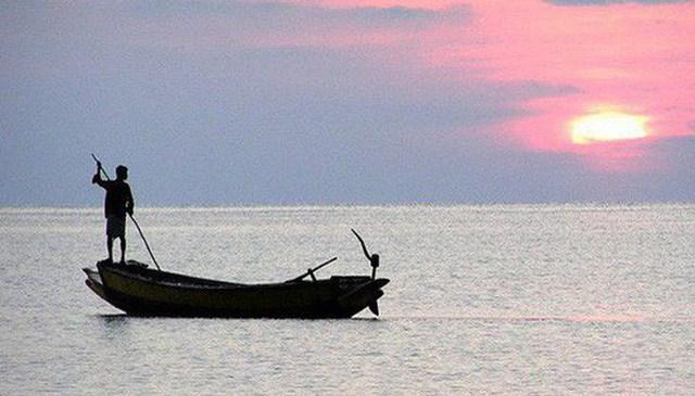 Biển cả có lúc bão bùng, cuộc đời cũng có lúc lên xuống: Ghi nhớ 3 câu này làm kim chỉ nam, bạn sẽ vững tay chèo lái con thuyền cuộc đời