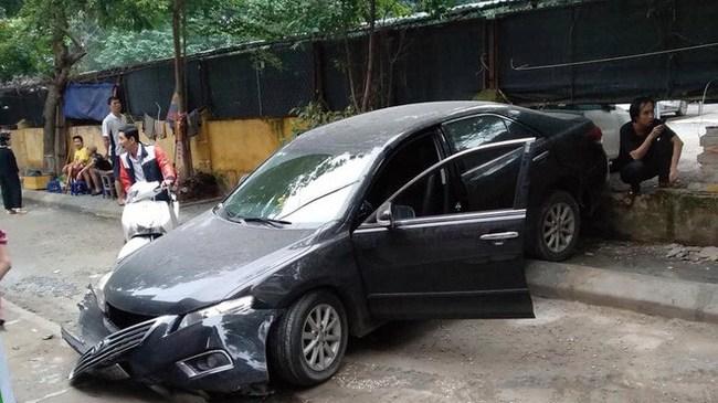 Nữ tài xế lùi xe Camry tông chết người đi xe máy là đại tá công an