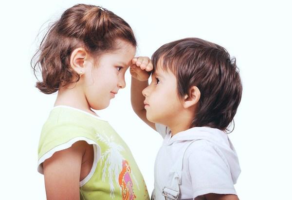 Sợ con bị lùn, cho uống canxi có cao lên không? Cần làm gì để trẻ tăng chiều cao tối ưu?
