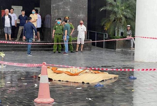 Cháu bé 5 tuổi rơi từ tầng 11 tử vong ở Hà Nội