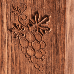 Boxed Wine Cover Heritage Vitis Close