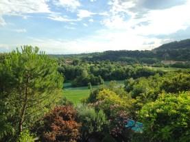15-veduta-panoramica-dal-giardino_a