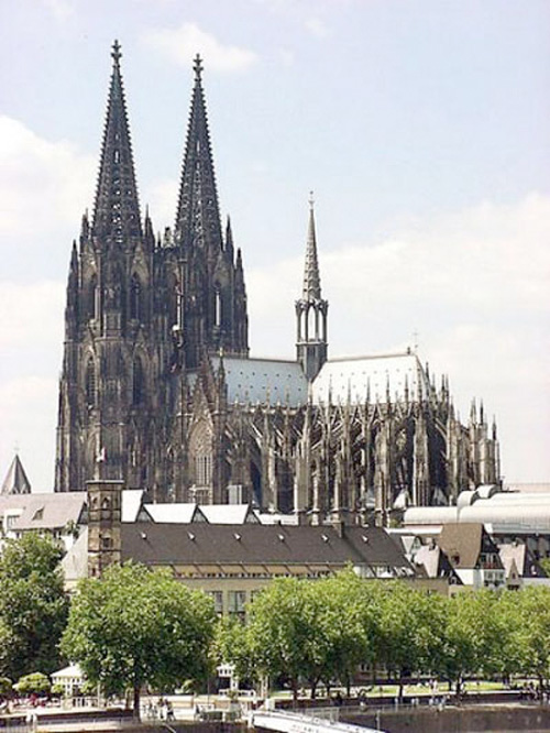 Em certa ocasião, uma família inglesa foi passar as férias na Alemanha. Aproveitaram para alugar uma casa para o ano seguinte..