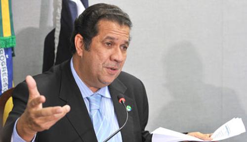 "O ""Quixotesco"" Carlos Lupi"