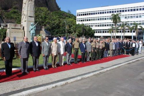 Exército Reafirma Compromisso com a Democracia