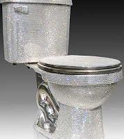 Vaso sanitário é vendido por US$75 mil