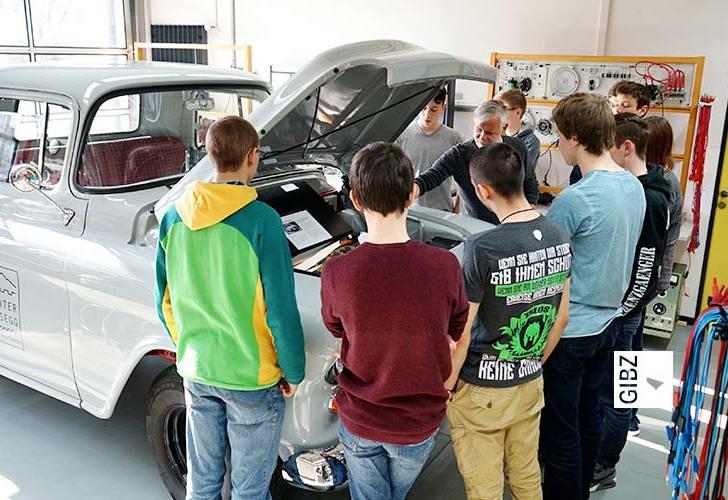 Sightseeing im GIBZ – Johammer Elektro-Töff & Elektro-Chevrolet Pickup
