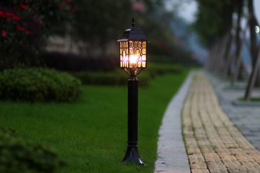 Картинки по запросу Уличный светильник бывает разным