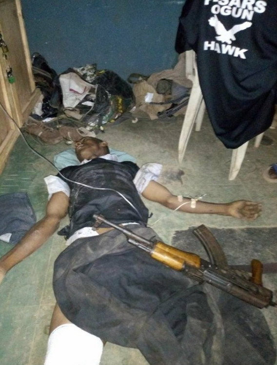 Armed Robber Killed After Fire Fight With SARS In Ogun (Photos)
