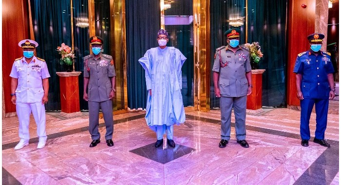 service-chiefs-aware-of-expectations-on-security-says-buhari