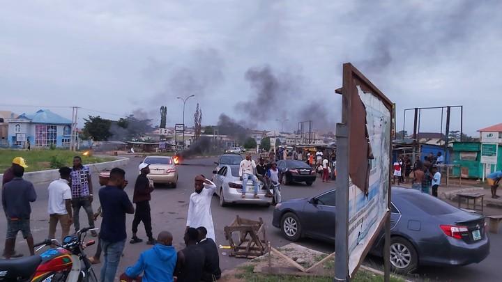 osogbo-boys-protest-against-efccs-harassment