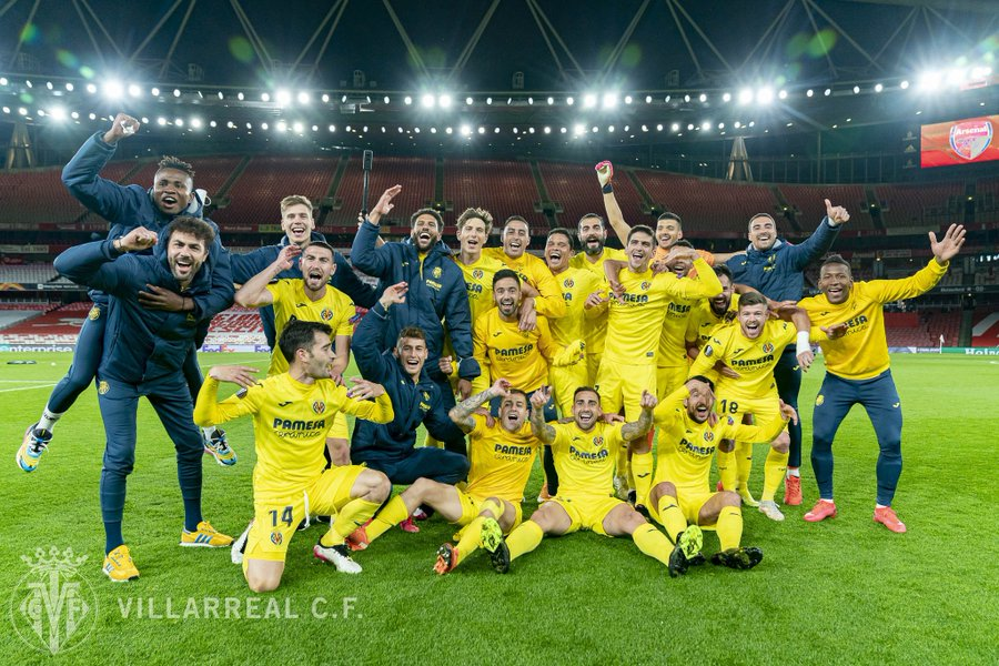 samuel-chukwueze-villarreal-players-celebrate-europa-league-final-qualification