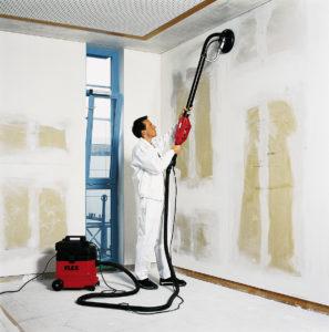 Grinding dengan penyedot debu untuk dinding