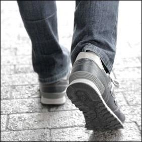 運動靴 安全靴 ポンチョ 目隠し お手洗い トイレ 着替え 場面 ケース 場合 帽子 けむりフード 防煙袋 スモークシャットアウト 防煙フード 非常用給水バッグ 給水袋 給水タンク 吸水バック あると便利な物 品物 チェックリスト 必要 大切 アイテム 1次用持ち出しグッズ リュック カバン バッグ 日常 普段 使用 一次持ち出しグッズ 最初 避難 自宅 緊急 安全 安心 便利 備え 防災 災害 対策 避難 場面 場合 ケース 準備 必要 用意 グッズ セット チェックリスト 地震 大雨 台風 土砂崩れ 土石流 確認 震災 便利 一覧 水害 津波