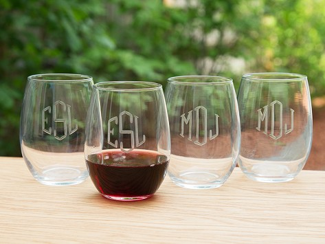 steamless monogrammed wine glass set