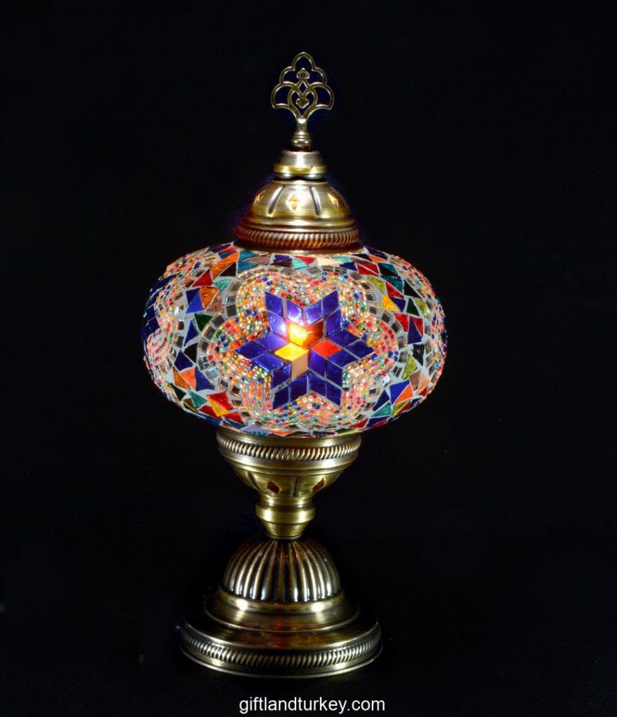 How many wholesale mosaiclamp